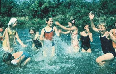 Летний хоровой лагерь 1978 года мы провели под Волгоградом в пионерском лагере имени Гули Королёвой.